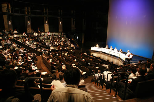 さいたま舞台技術フォーラム2011「改修後の運用結果と次世代の劇場設備」